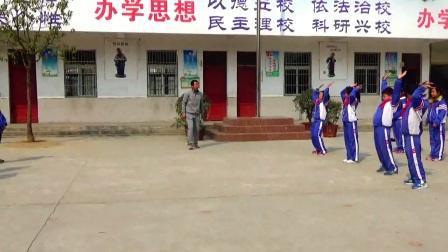 《蹲踞式跳远》优质课(科学版六年级体育,阜阳市县级优课)