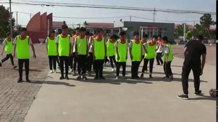《足球-脚内侧踢球技术》人教版初一体育与健康,张磊
