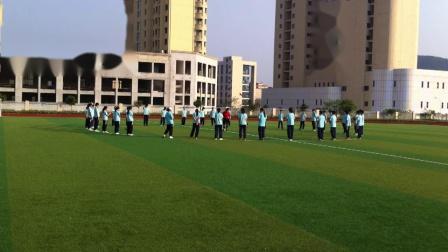 《足球脚内侧运球》人教版初一体育与健康(1)