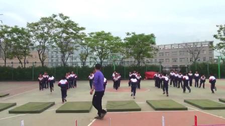 浙教版体育五年级《蹲踞式跳远》课堂教学视频实录-张建苗