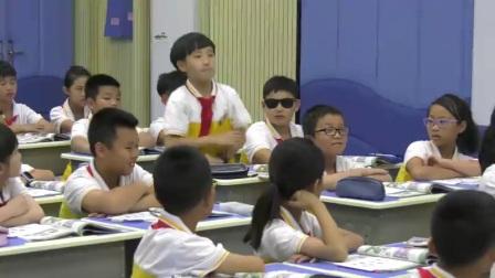 小学英语外研版三下Module6 Unit 2 What does Lingling have at school-福建 黄智欣