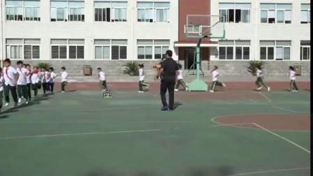 《头顶沙袋走》小学二年级体育,白小光