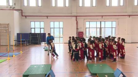 《跑几步单脚起跳越过一定高度的橡筋》沪少版二年级体育,黎武