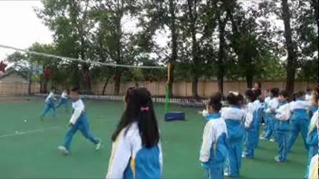 《投掷与游戏》二年级体育,王安丽