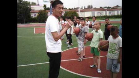 《原地排球》科学版二年级体育,刘彬