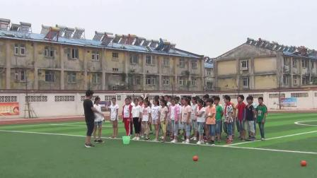 《双手从头后向前抛实心球》人教版体育六下,杨顺