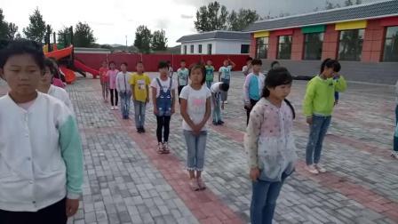 《前滚翻》科学版体育一年级,通辽市县级优课
