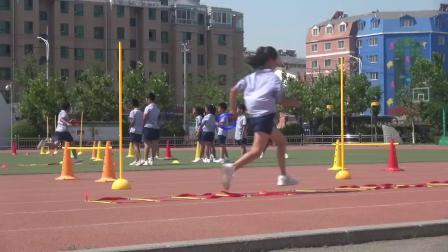 《跑的游戏》沪少版体育二年级,倪德俊