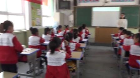 外研版(三起)小学英语三下Module6 Unit 2 What does Lingling have at school-山西武佳玉
