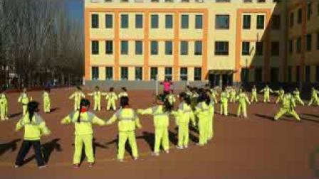 《走与游戏》小学二年级体育,刘丽君