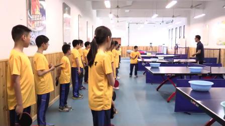人教版体育五年级《乒乓球正手快攻》课堂教学视频实录-何立