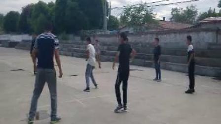 《足球-脚内侧踢球》人教版初一体育与健康,张俊仁
