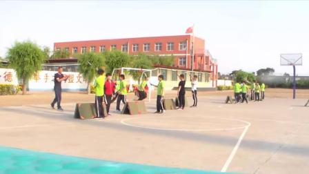 《跨越式跳高》优质课(科学版六年级体育,郝春雨)