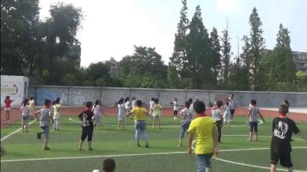 《跳短绳:合作跳短绳》科学版体育二年级,襄阳市县级优课