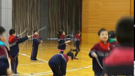 《跳短绳:连续并脚跳》科学版一年级体育,钱梅
