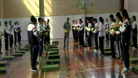 人教版体育八年级《排球双手正面传球》课堂教学视频实录-戴祖斌