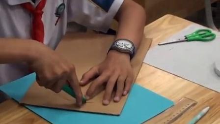浙教版小学劳技五下《纸板凳的制作》课堂教学视频实录-丁银芬